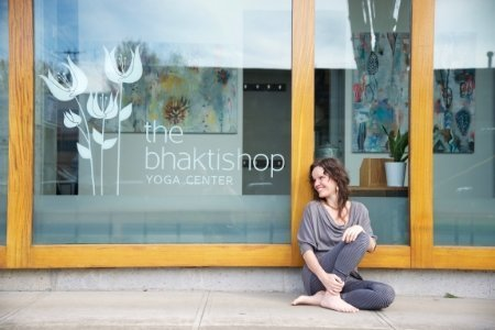 Bhaktishop Yoga Center Head + Heart www.headplusheart.com