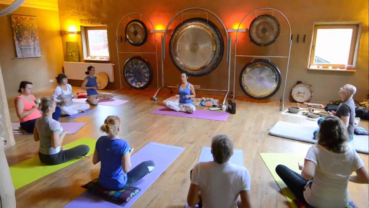 Gong Yoga Workshop at Limber Yoga < Head + Heart www.headplusheart.com