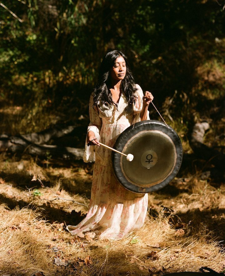 New Moon Soulstrology Soundbath - with Ambi Sitham < Head + Heart